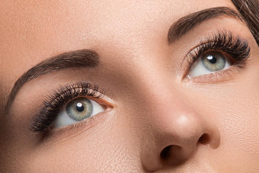 make your eyelashes grow